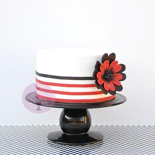 Flower & strips cake - Cake by Undolcunivers