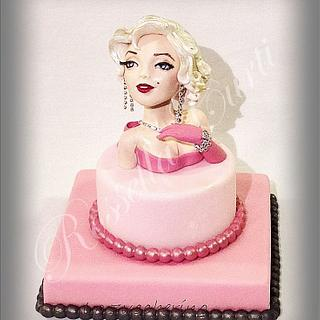 Diamonds are a girl's best friend! - Cake by Rossella Curti