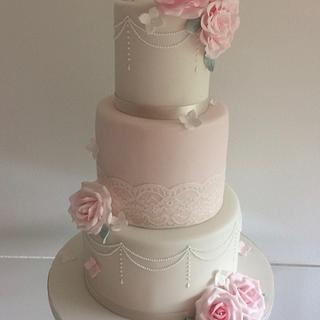 Tumbling Roses & Lace - Cake by TiersandTiaras
