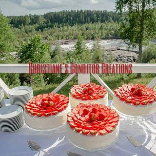 strawberries & cream wedding cakes