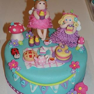 Fairy picnic cake and cupcakes