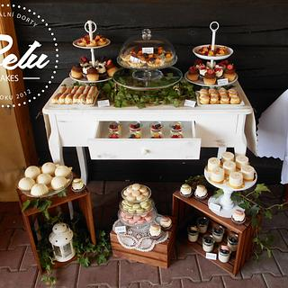 Natural Wedding Sweet Bar