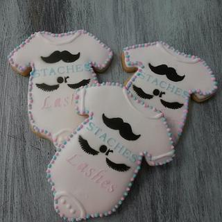 Staches or Lashes - Cake by CakePalais
