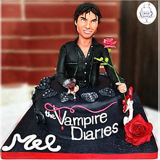 The Vampire Diaries Cake - Damon