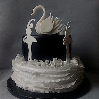 B&W Swanlake cake