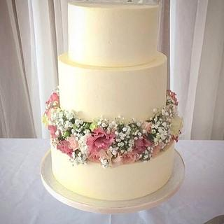 Emily Jane smooth buttercream wedding cake
