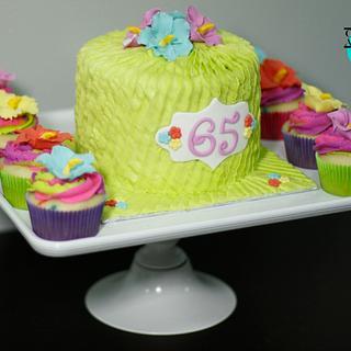 Hawaiian cake and cupcakes