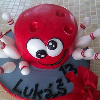 🎳 - Cake by Martina