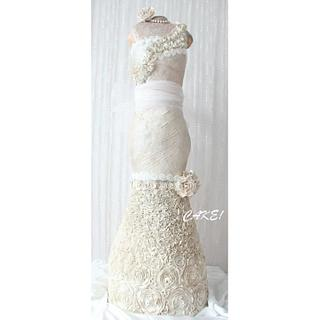 4 Foot Tall Wedding Dress Cake
