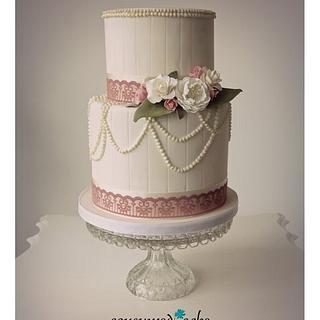 Vintage Pearls Wedding Cake