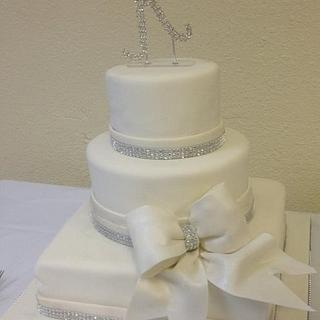 Kaisley Wedding - Cake by Della