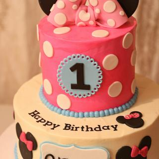 Aliyana's Minnie Mouse Cakes