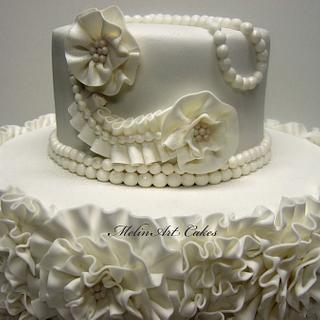 Couture wedding cake - Cake by MelinArt