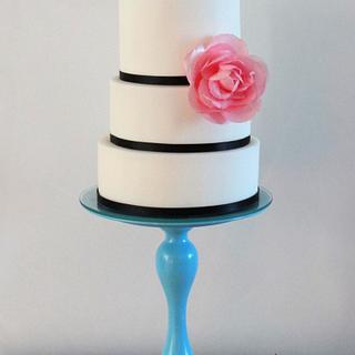 Simple yet elegant wedding cake - Cake by rantingfrenchmama