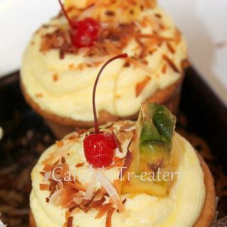 Pina Colada Cupcakes - Cake by Candy Whiting