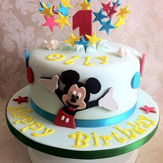 Mickey Mouse  - Cake by Carrie