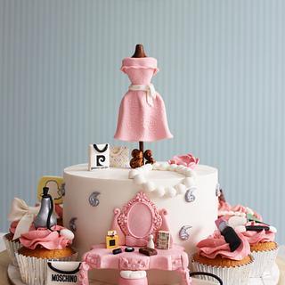 Fashion/makeup Cake and cupcake