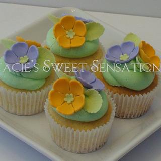 Spring Cupcakes - Cake by Naturepixie