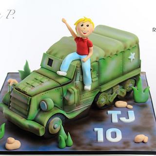 3D half-track - Cake by RED POLKA DOT DESIGNS (was GMSSC)