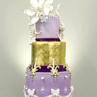 Shy magnolia cake