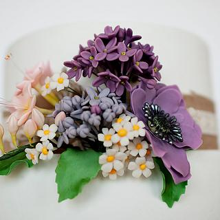 Gumpaste flowers - Cake by Be Sweet