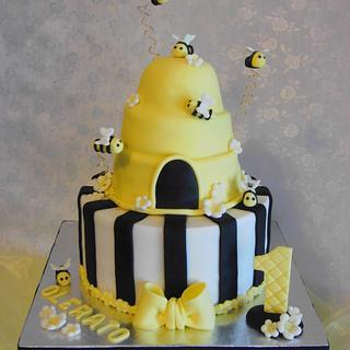 First Birthday Beehive Cake