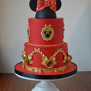 Red and gold Minnie cake