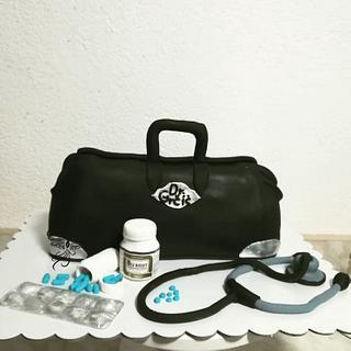 Doctorbag - Cake by Fenix cake