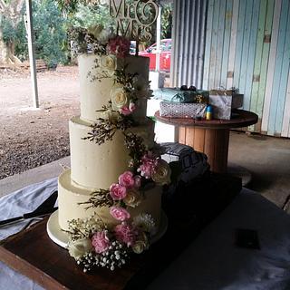 Romantic Vintage buttercream wedding cake with a twist!