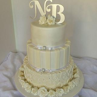 Shades of beige wedding cake - Cake by Probst Willi Bakery Cakes