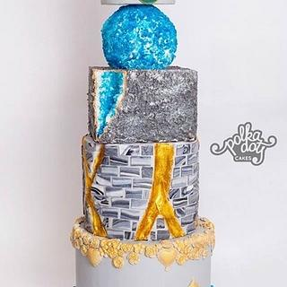 Modern wedding cake inspired by concrete architecture