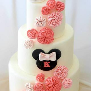 Minnie Mouse inspired baby shower cake