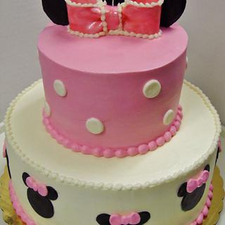 Buttercream tiered Minnie Mouse cake