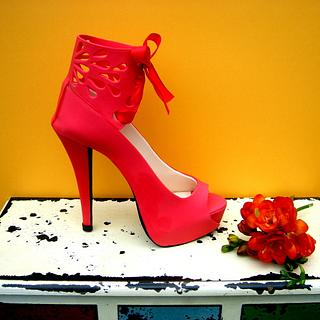 Sugar shoes featured in Cake Masters Magazine