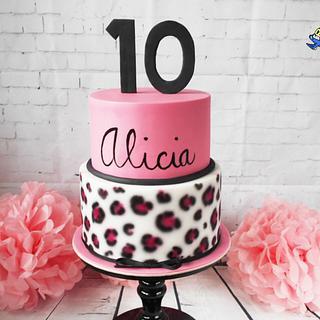 Alicia - Cake by Petra Krátká (Petu Cakes)