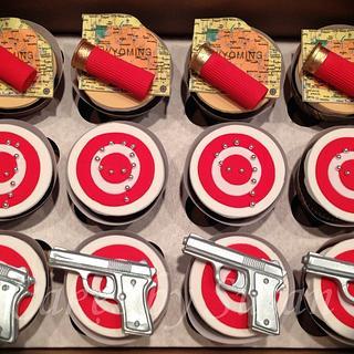 gun and ammo cupcakes