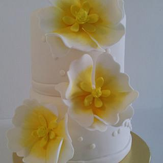 3 Big Flowers on 2 Tier Cake - Cake by Creative Cakes By Deborah Feltham