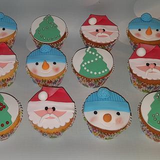 Christmas cupcakes. - Cake by Pluympjescake