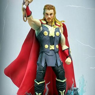 topper cake Thor