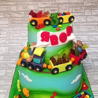 Train cake whit teddy bear