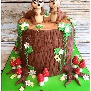 Squirrel treestump cake