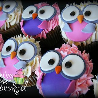 Owly Cupcakes - Cake by You've Been Cupcaked (Sara)