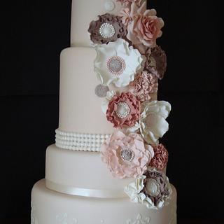 Shabby and Vintage Wedding Cake - Cake by fashioncakesviviana