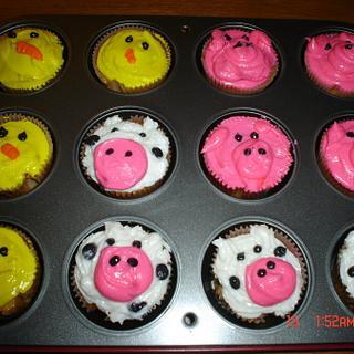 Farm Animal Cupcakes - Cake by Dana