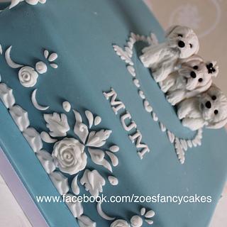 Wedgwood style cake - Cake by Zoe's Fancy Cakes