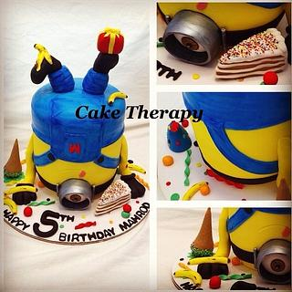Upside down Minion  - Cake by Cake Therapy