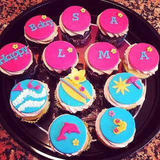 Beach Cupcakes - Cake by Laura Jabri