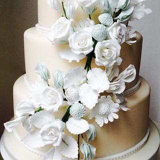 Ivory Darling Wedding Cake