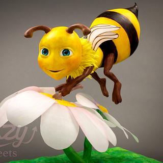3D gravity diving cake honeybee