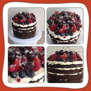 Cream & berries - Cake by CakesbyCorrina